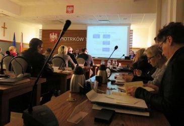 Nadzwyczajna dyskusja o ciepłownictwie w Piotrkowie