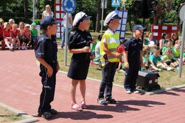 Dzieci maj± w³asne miasteczko ruchu drogowego