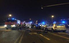 Zderzenie autobusu z osobówkami w centrum Piotrkowa