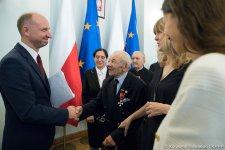 Honorowy cz³onek AZP odznaczony przez Prezydenta RP