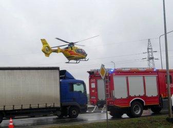 Wypadek na Rakowskiej. 11-latek przetransportowany śmigłowcem do szpitala