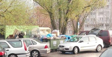 Podrzucają śmieci do miejskich kontenerów?