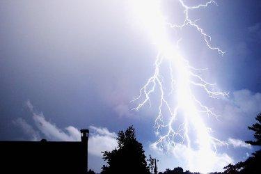 IMGW ostrzega: możliwe burze z gradem