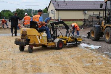Trwa remont dróg i chodników na osiedlu w Woli Krzysztoporskiej
