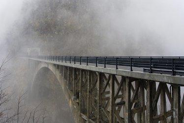 Budujemy mosty dla pana ...