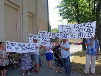 Spór o wykup mieszkań przed piotrkowskim magistratem