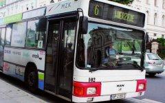 Autobusy pojad± objazdem