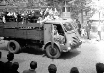 70 lat temu na ulice Piotrkowa wyjechał pierwszy czerwony autobus