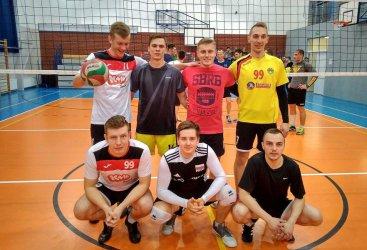 Mikołajkowy turniej siatkarski w Bujnach