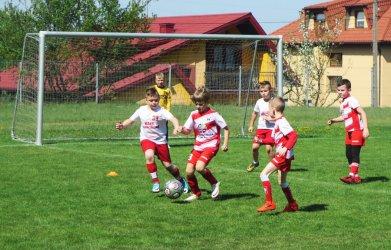 Młodzi adepci piłki nożnej spotkali się w Sulejowie