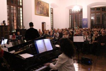 Piosenki Franka Sinatry wybrzmiały w piotrkowskim Muzeum