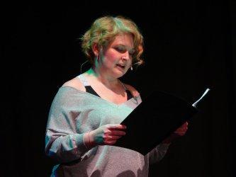 Dominika Ostałowska i poezja węgierska