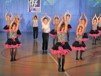 Tancerze z całej Polski rywalizują w Piotrkowie
