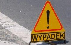 Zderzenie toyoty ze skod� na drodze w Sulejowie
