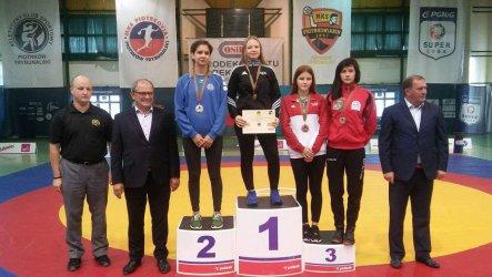 Medale dla zapaśniczek z Piotrkowa