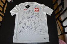 Koszulka z autografami naszej reprezentacji mo¿e byæ Twoja!