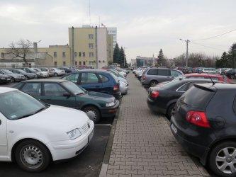 Wielopoziomowe parkowanie przy Urzędzie Miasta?