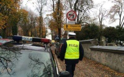 Uwaga kierowcy! Zmieni się organizacja ruchu przy cmentarzach