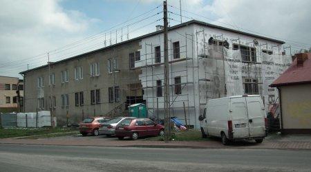 Remontują budynek komunalny w Woli Krzysztoporskiej