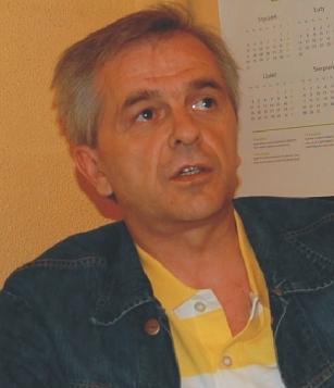 Robert Marzec. Za wojewody Stanisława Witaszczyka (1993 - 1996) był dyrektorem Wydziału Promocji Urzędu Wojewódzkiego w Piotrkowie. - 3509449816204b4ccea01cdbcf6a2eaa