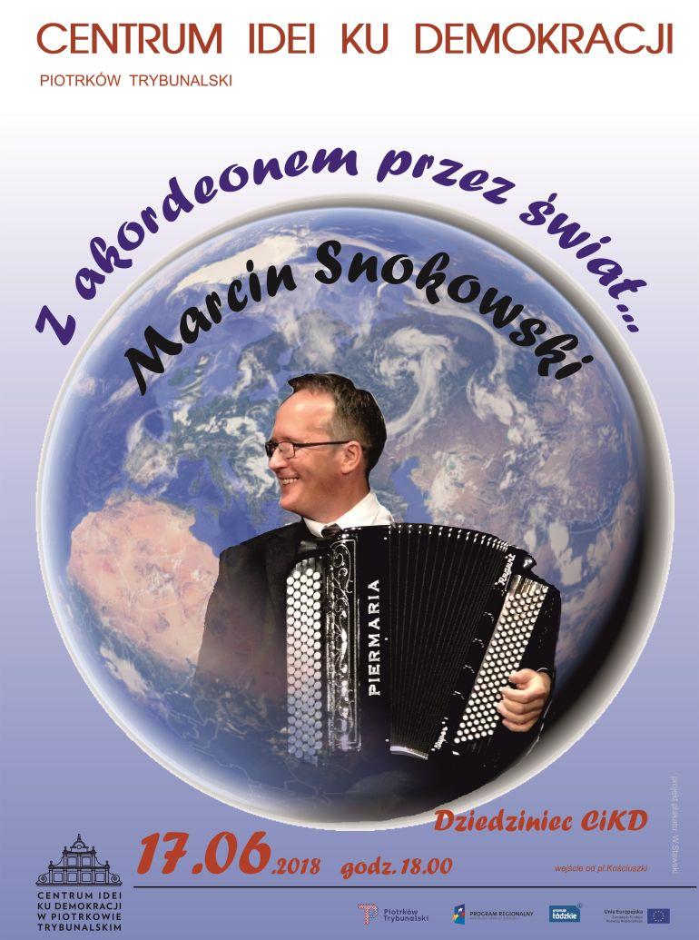 Koncert akordeonowy w Centrum idei Ku demokracji