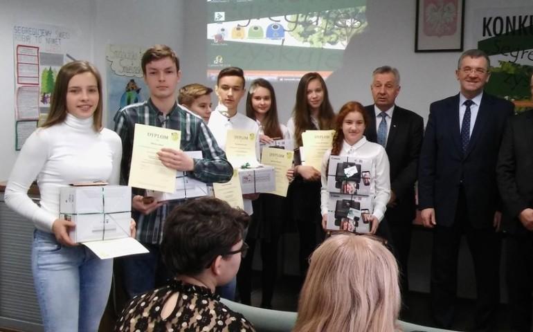 Gimnazjaliści z Zespołu Szkół w Srocku wśród najlepszych w województwie