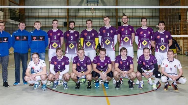 Rozprzañski Kasztelan prowadzi w III lidze
