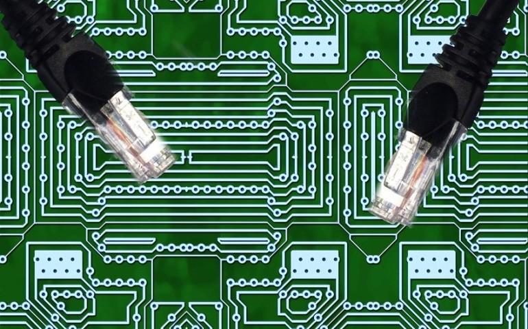 Miernik optyczny do analizy sieci światłowodowej