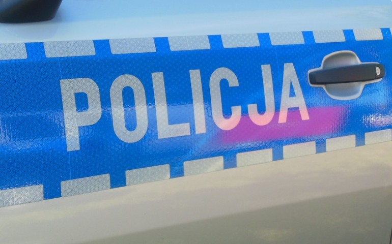 Więcej kradzieży samochodów, ale mniej gwałtów. Piotrkowska policja podsumowała 2017 rok