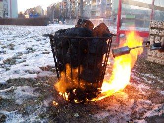 Na ulicach Bełchatowa stanęło 16 koksowników