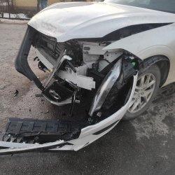 Zderzenie dwóch samochodów w Nowej Wsi