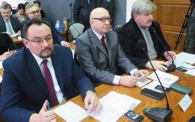 Radni PiS chcą powrotu stacjonarnych obrad