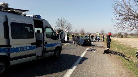 Wypadek w Gomulinie - kobieta w ciężkim stanie