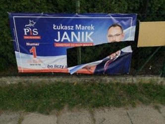 Zniszczono banery piotrkowskiego polityka