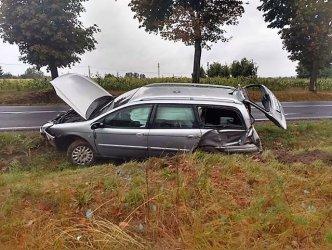 Wypadek na DK 42. Jedna osoba ranna