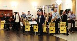 Swing Band Kasztelania grała dla mieszkańców