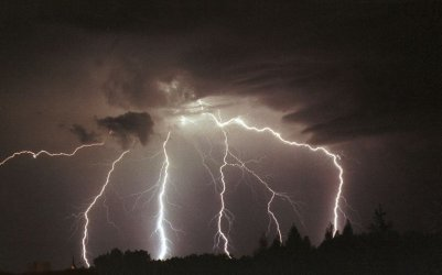 Znów ostrzegają przed burzami