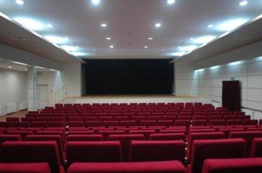 Wolbórz: Nowa sala widowiskowa imponuje wyglądem