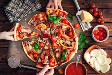 Z Neapolu do Nowego Jorku, czyli podróże pizzy