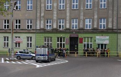 Alarm bombowy w ZSP 6  w Piotrkowie (AKTUALIZACJA)