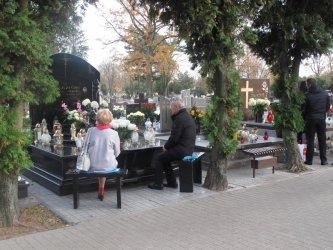 Piotrkowianie pamiętają o zmarłych