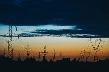 Wiatr uszkodził linie energetyczne