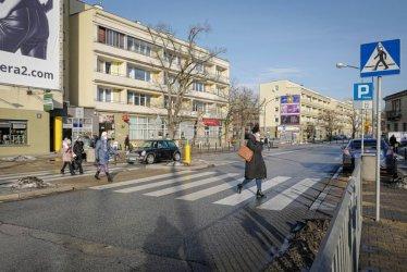 We wtorek zaczęły obowiązywać przepisy dot. m.in. pieszych przechodzących przez przejście