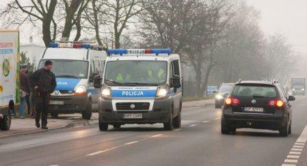 Ciężarówka najechała na leżącego mężczyznę