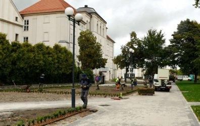 Modernizacja placu Niepodległości na finiszu