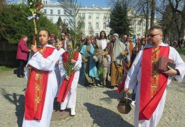 Niedziela Palmowa w Piotrkowie. Za tydzień Wielkanoc