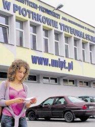 Piotrków: Rekrutacja na Uniwersytet idzie opornie