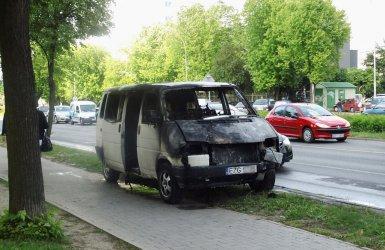 Armii Krajowej: Spłonął volkswagen