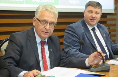 Przewodniczący Rady Miasta nie został odwołany, przeprosił za swoje zachowanie