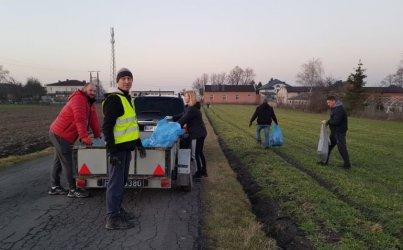 Mieszkańcy Rokszyc posprzątali swoją miejscowość